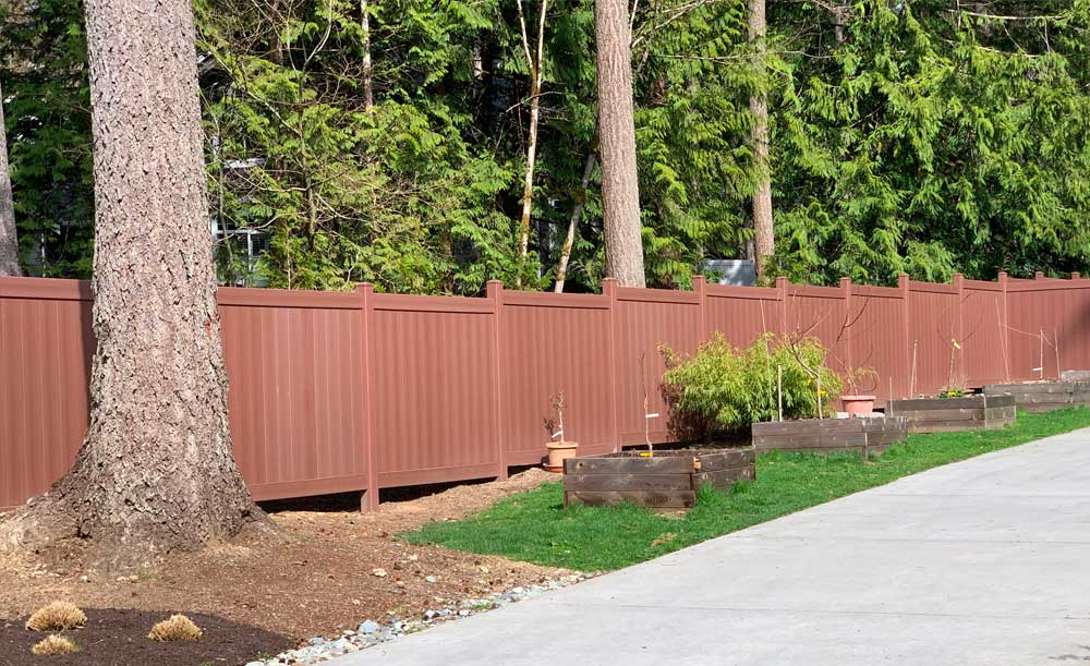 Brazilian privacy vinyl fence