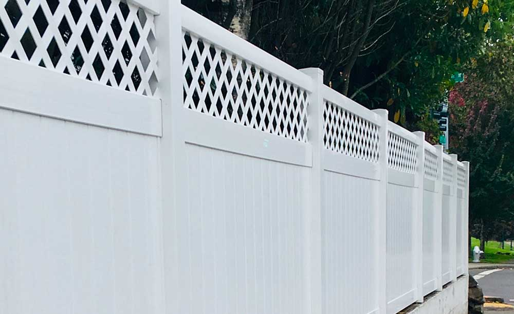 Diagonal Lattice Top vinyl fence