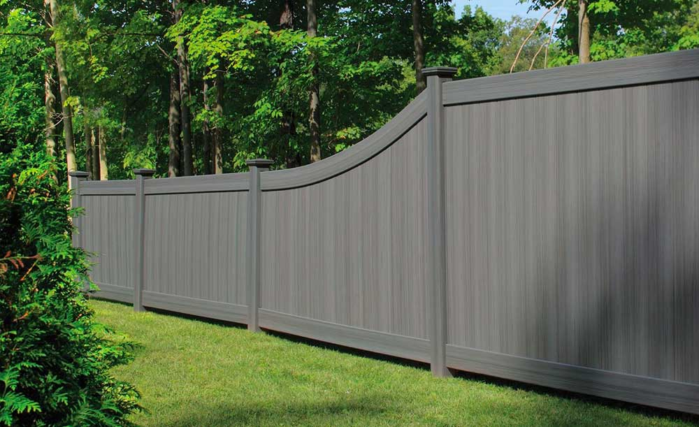 Arctic Blend privacy vinyl fence