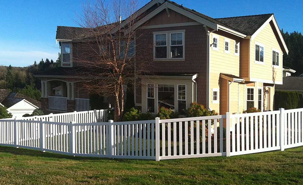 Closed Picket vinyl fence