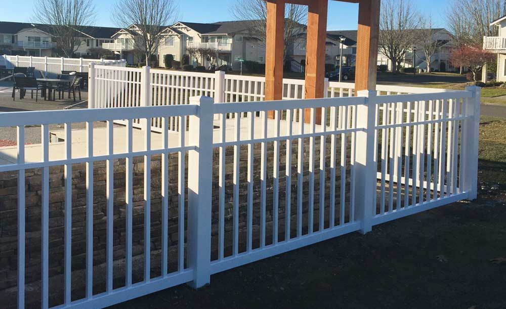Closed Picket 3-rail vinyl fence
