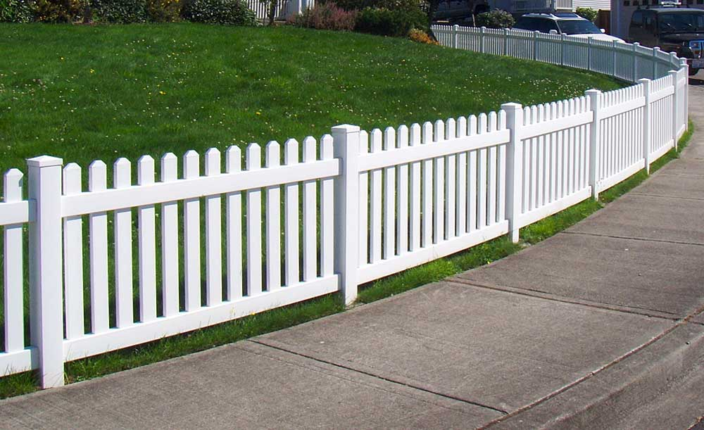 Straight Wide dog-eared Picket vinyl fence