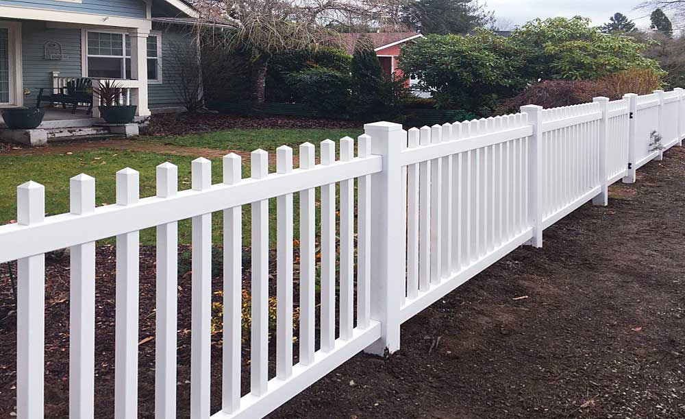 Straight Square Picket vinyl fence