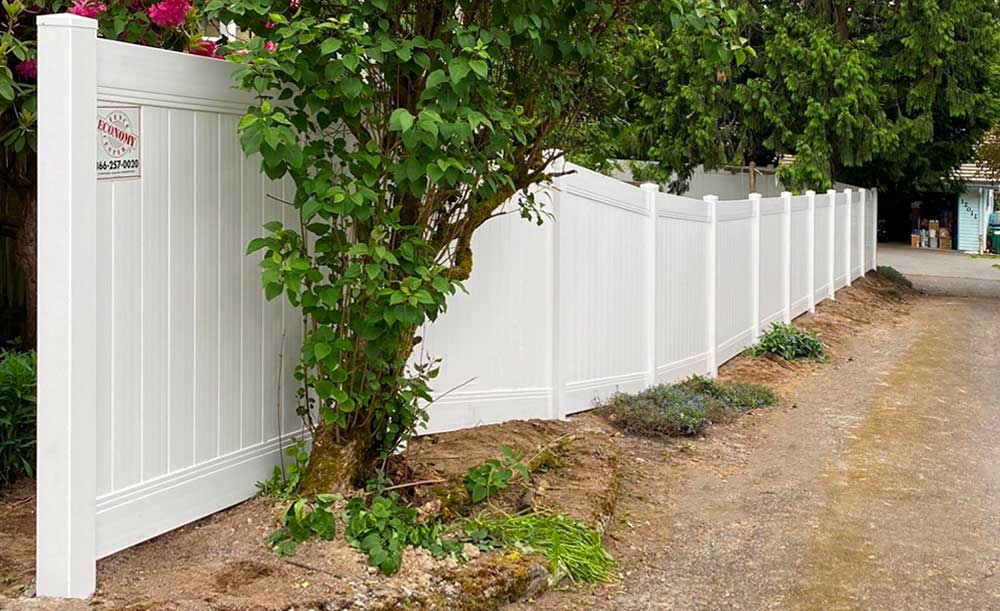 White Privacy vinyl fence