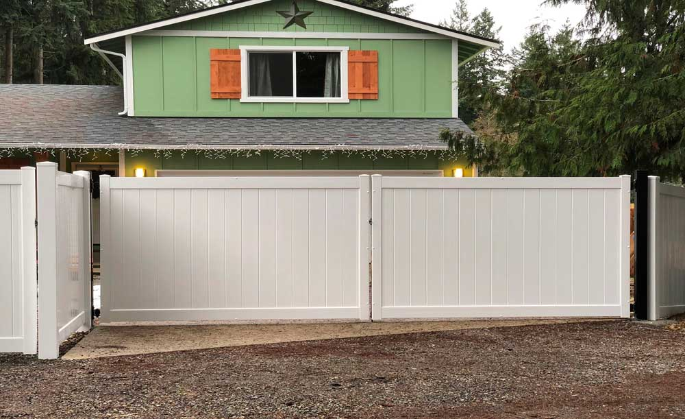 White Privacy vinyl double gate