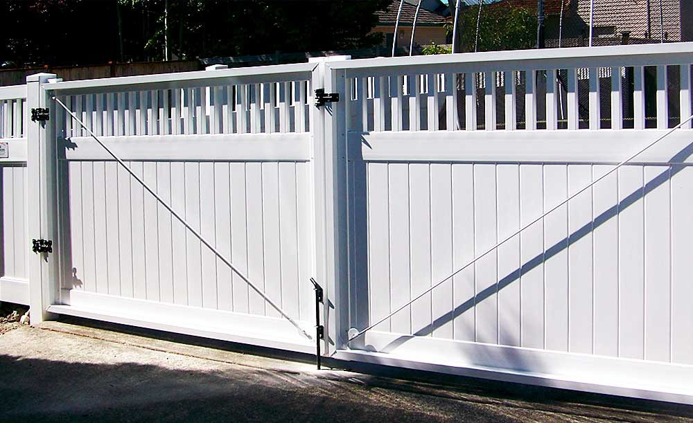 Privacy with picket accent vinyl fence with double gate with white aluminum frames