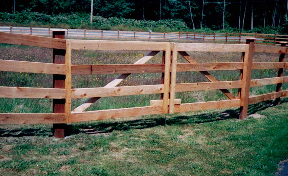 2x6 cedar 4-rail fence with double swing gate