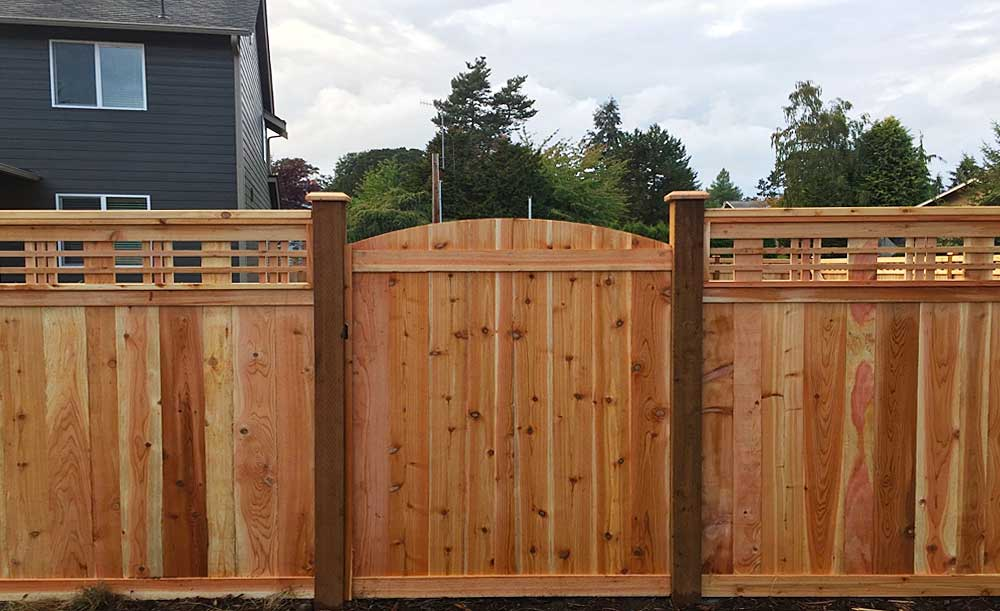 Custom Lattice Top cedar fence with gate