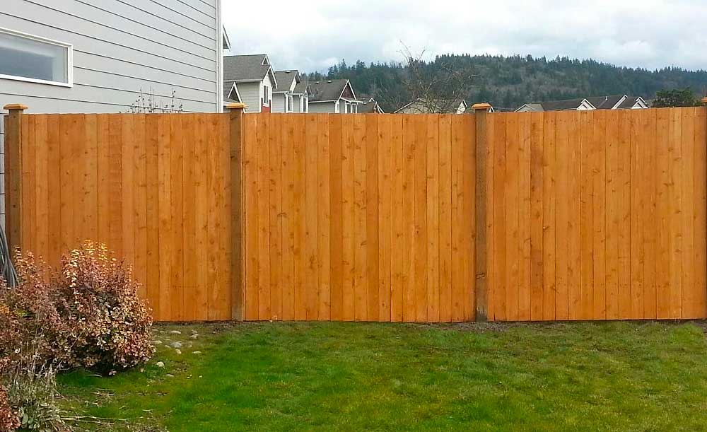Estate style pre-stained cedar fence