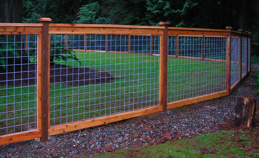 Hi-Fi cedar framed style fence with galvanized panels