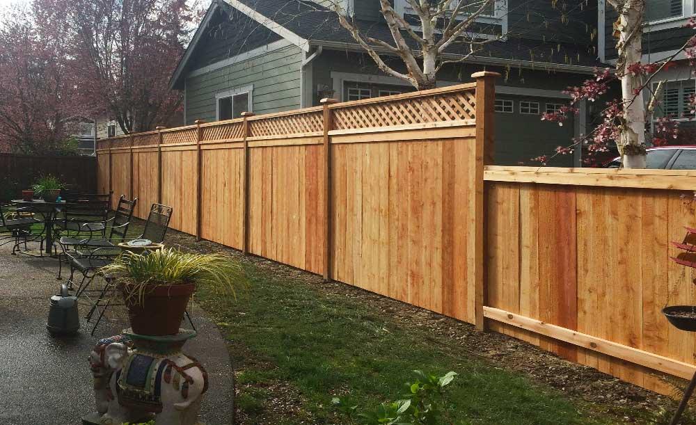 Diagonal Lattice Top cedar fence