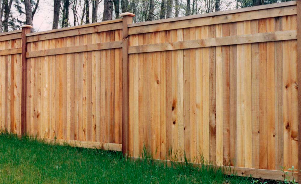 Hampton style cedar fence
