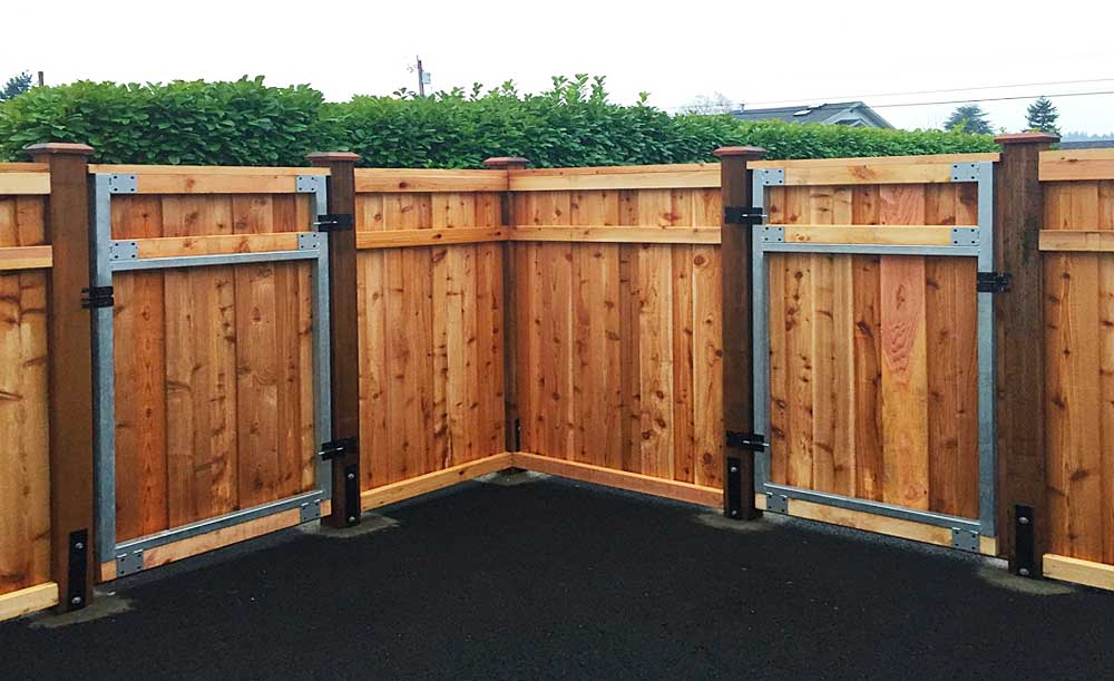 Hampton style cedar fence with steel frame gates and H-Brackets on 6x6 posts